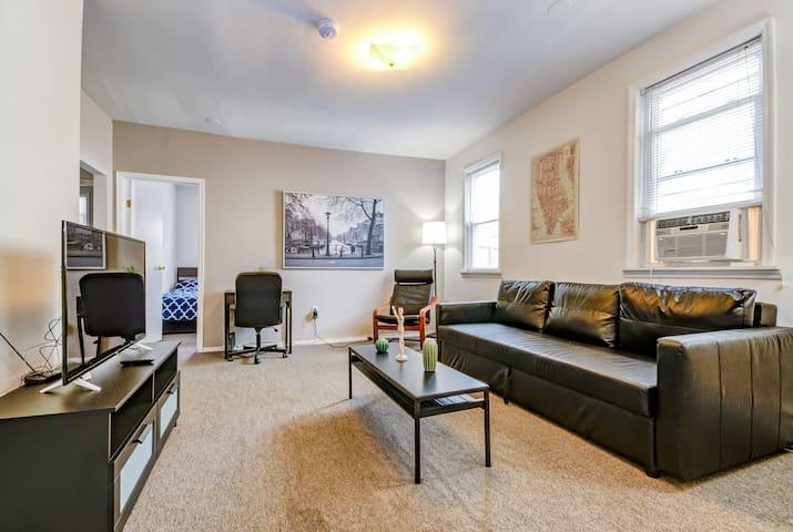 Charming home | 15 minutes to Times Square!