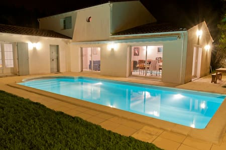 Villa with  heated swimming pool - Sainte-Marie-de-Ré - วิลล่า