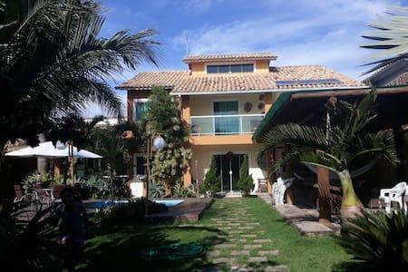 Excelente casa a 200 m da Praia do Peró /Cabo frio