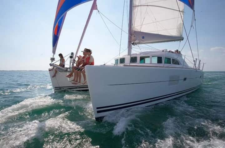 New catamaran boat, 8 persons, soft-all inclusive