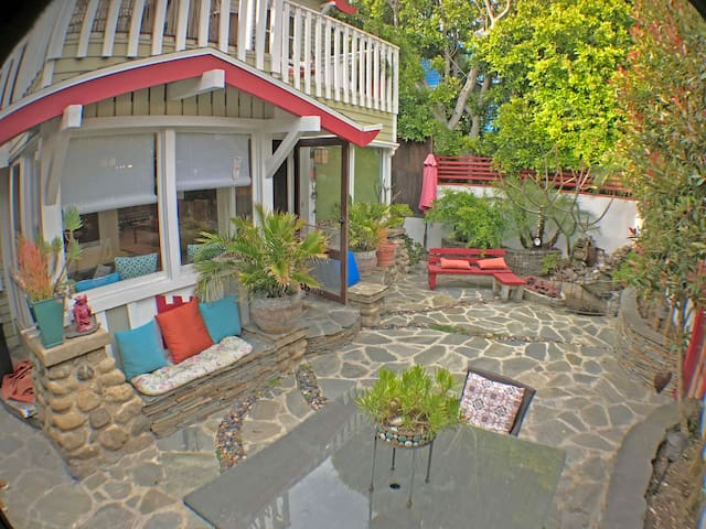 Craftsman Venice Beach House & Private Garden - Marina del Rey - House