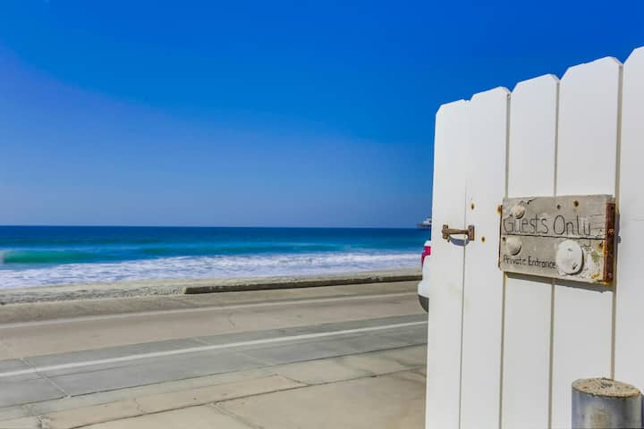 Garden Gate - Stunning Cozy Beach Condo Steps from Sand