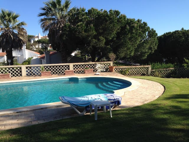 Detached Algarvian style villa in Vale do Lobo. - Almancil - Casa de camp