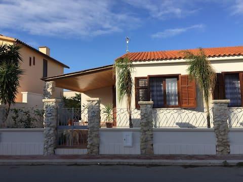 Modern Villa 2 minutes from seaside