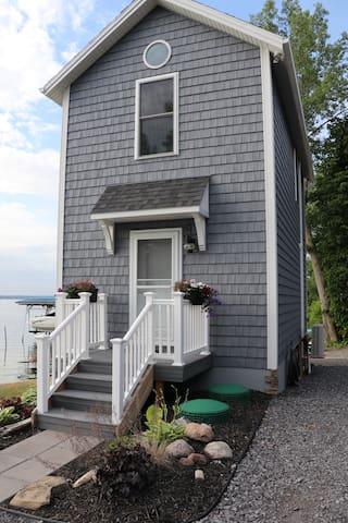 Lakeside Bunkhouse on Seneca Lake