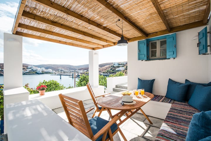 Luxury Seafront Apartment in Loutra Kythnos