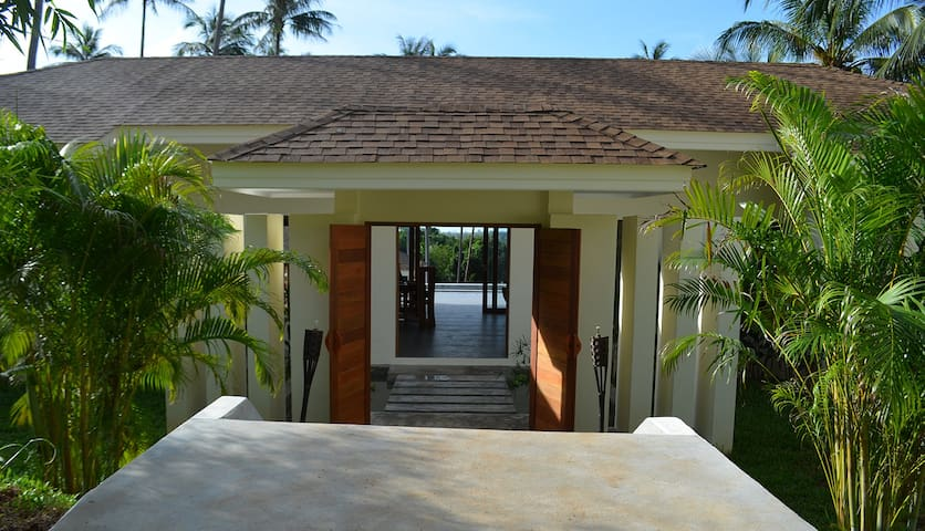 ORCHID LODGE- IBISCUS