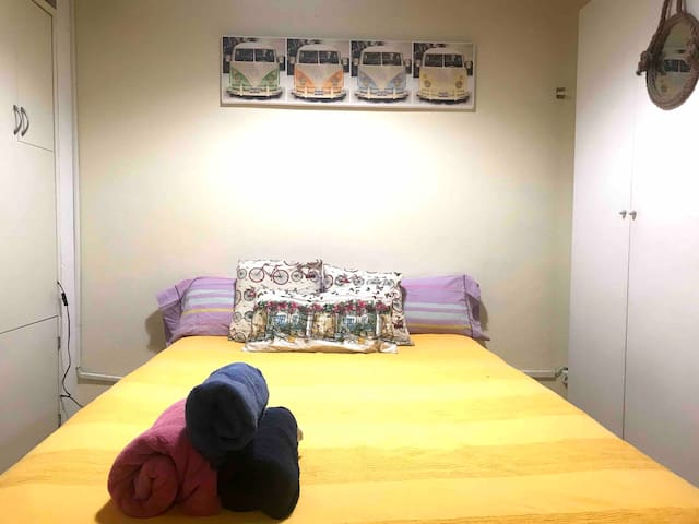 Double room with bathroom near Sagrada Familia