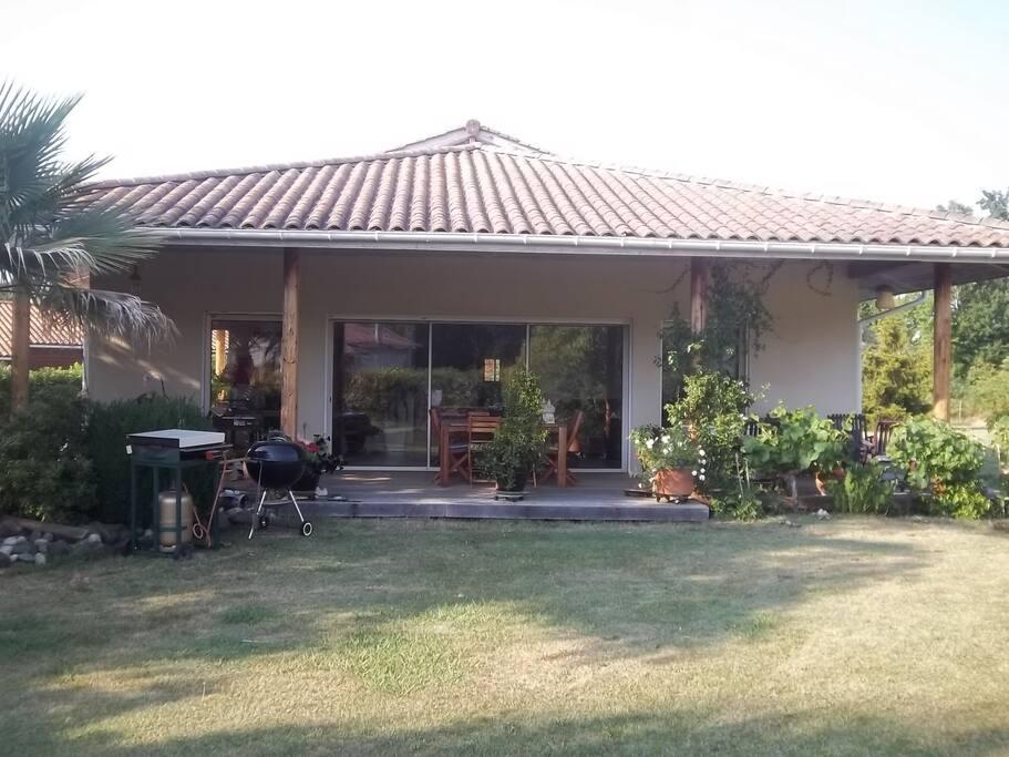 Chambre ds maison au calme avec piscine mimizan maisons for Piscine mimizan
