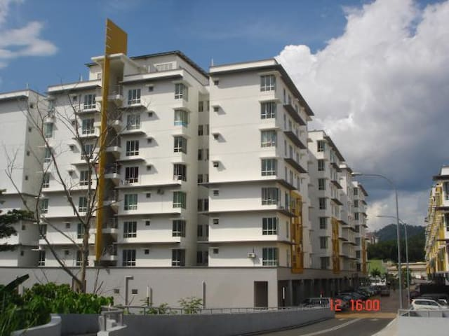 Apartment to Let- Hospital Selayang - Selayang - Apartment