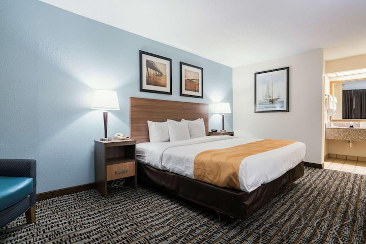 Pretty Quadruple Two Double Beds At Morehead City