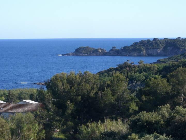 Maison vue mer calme site protégé .