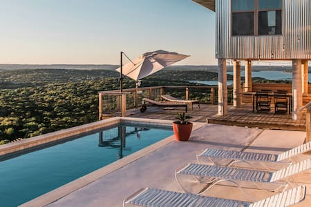SKYHOUSE Canyon Lake: Private Pool and Lake Views
