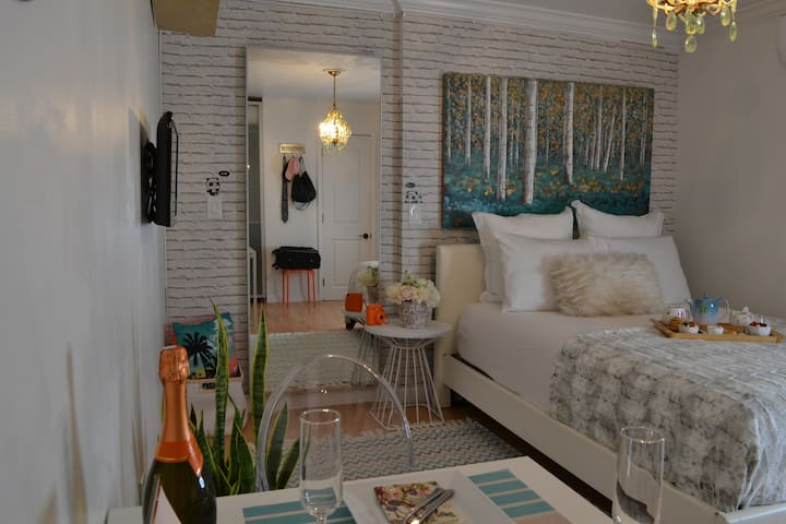 Miami cozy guesthouse close to airport
