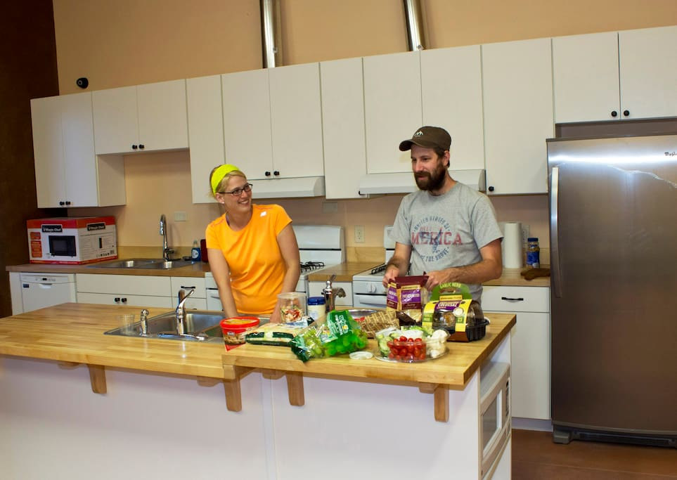 Community Kitchen and Dining Hall - Cook meals, relax, play games or enjoy programs about the area and meet other travelers.