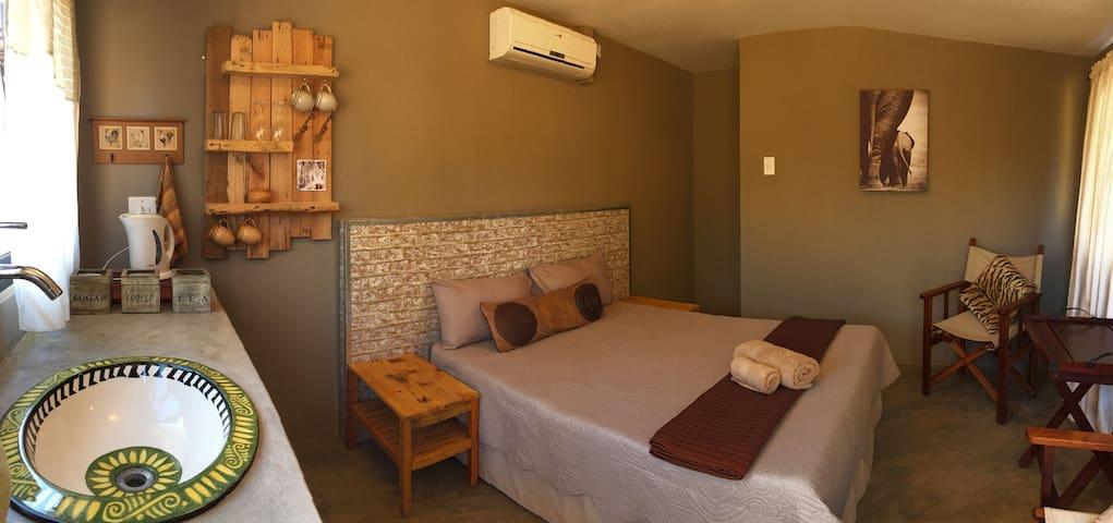 Baobab Camp & Cottages 2
