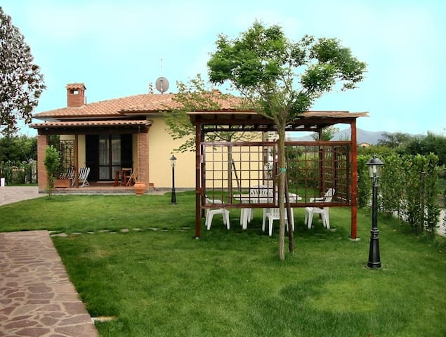 Cottage with garden and pool - Castiglione del Lago - House