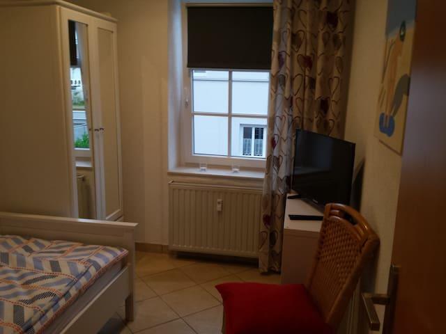 Zentral zur Altstadt - 3 SZ mit TV + WLAN, Küche