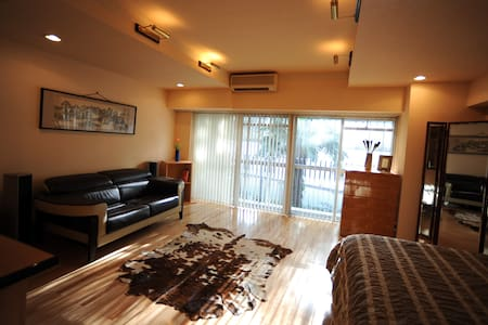 Luxury 55sqm Studio, 3min to Azabu.