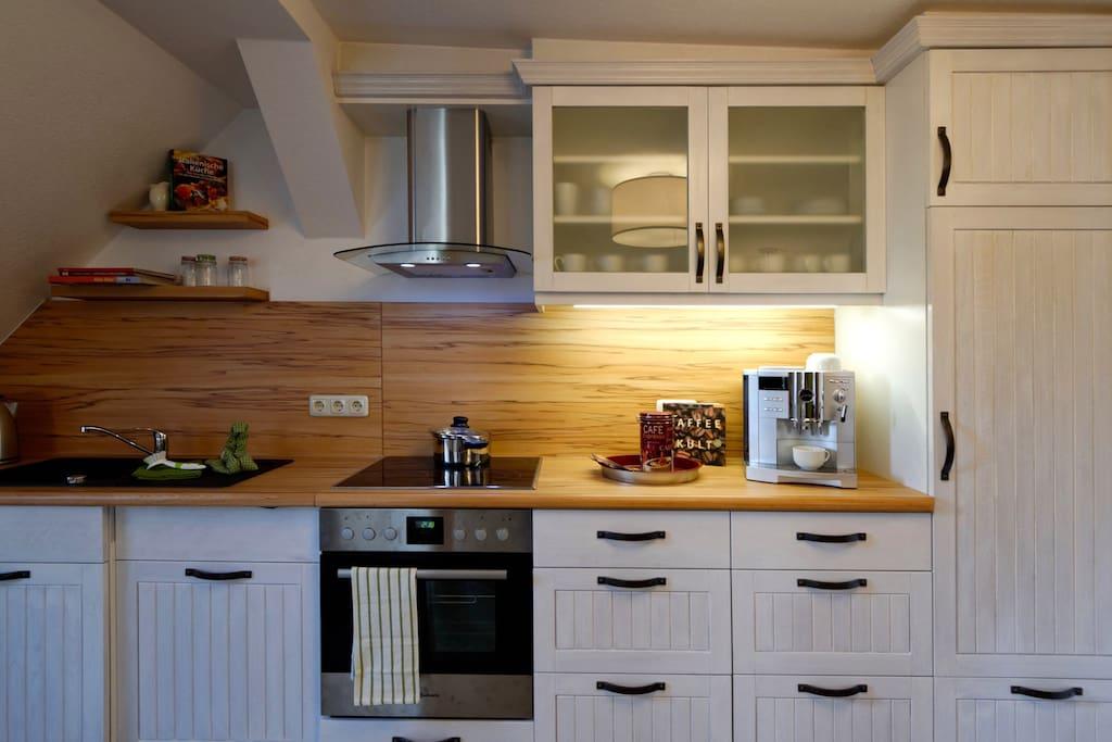 Die Küche ist ausgestattet mit allem, was man im Urlaub braucht