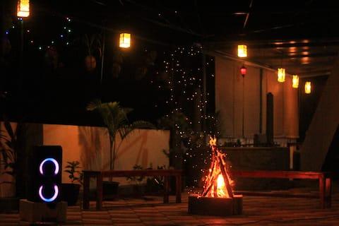 The Banyan Hut R2 AC
