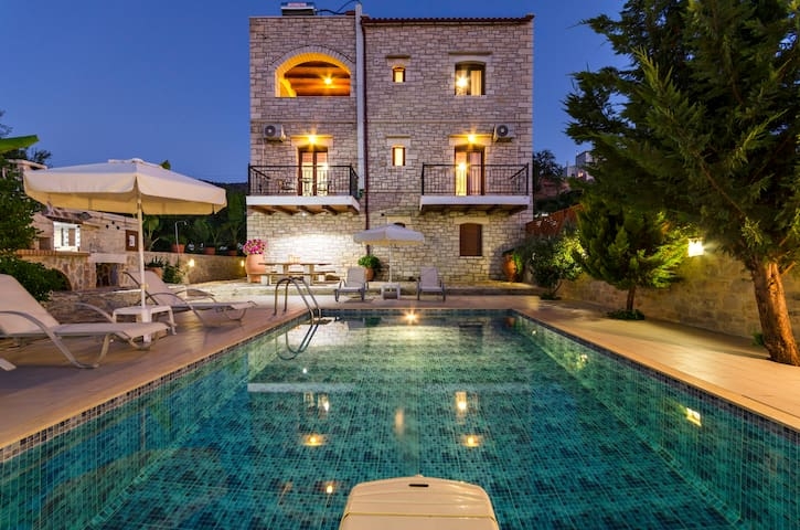 Luxurious  Villa with private pool! - Rethymno