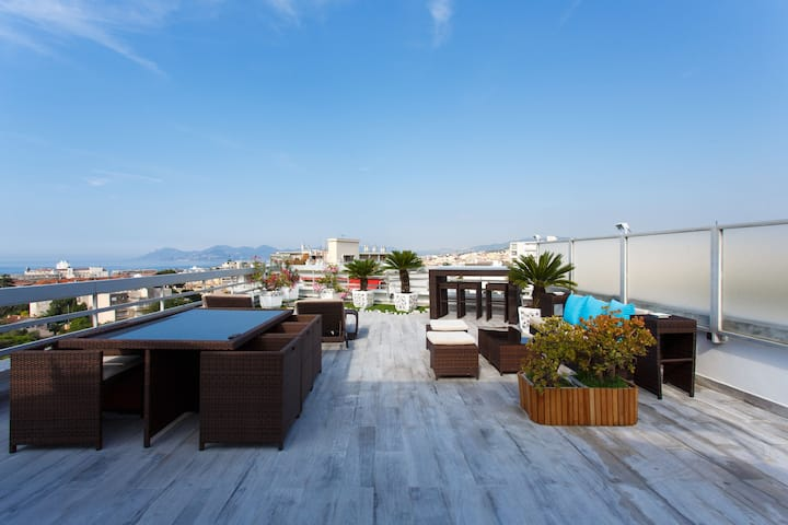 VILLA LOFT CANNES 13pax Beach, Swimming pool & Spa