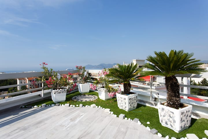 LOFT  SEA & SKY  360° VIEW-8 people-(A/C) CANNES