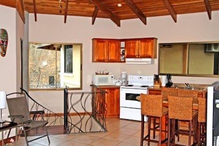 CHARMING VILLA OVERLOOKING PACIFIC - Playa Hermosa - Villa