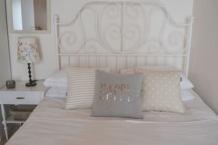 Sweet and Cozy Studio at the Heart of Aegina Town