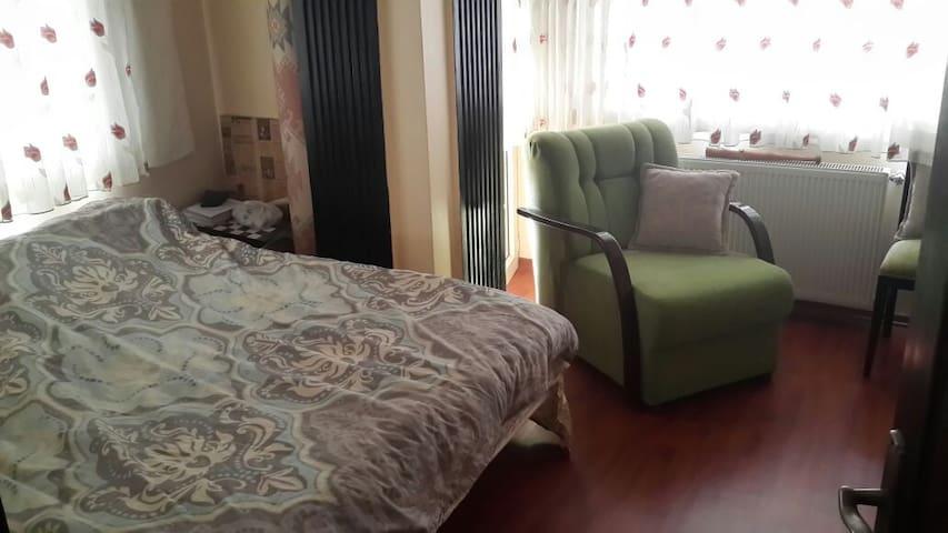NEZIH TEMIZ AILEYE UYGUN - İstanbul - Apartment