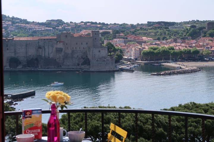 Cliffside house unique view of Collioure bay