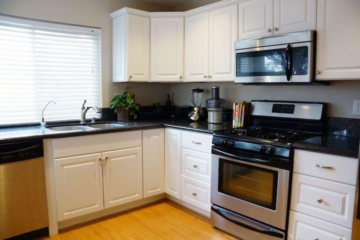 2 Bed Condo Ideal For Families With Young Kids.