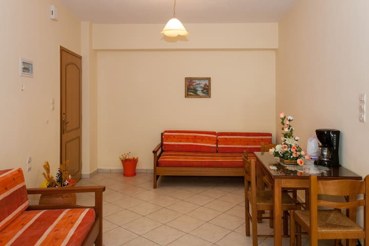 Economy Apartment- Semi Basement - Palaiochora - Apartament