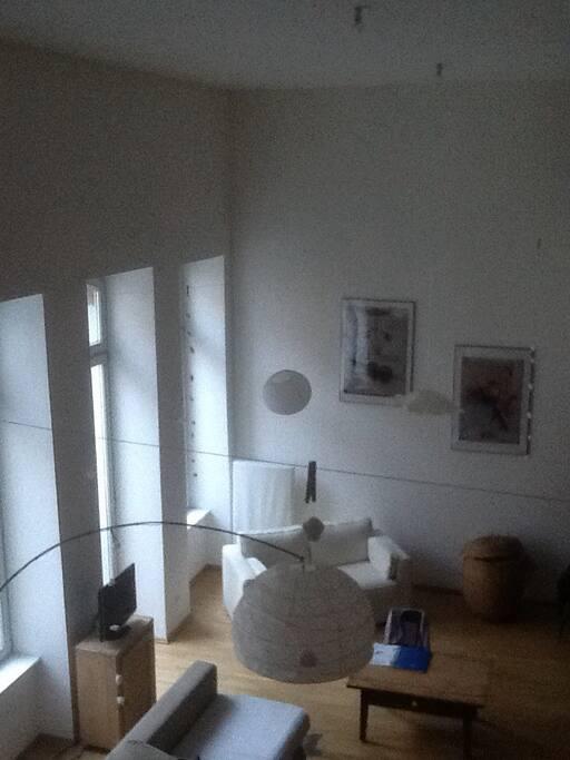Autre angle du salon cuisine vu d'une des chambres