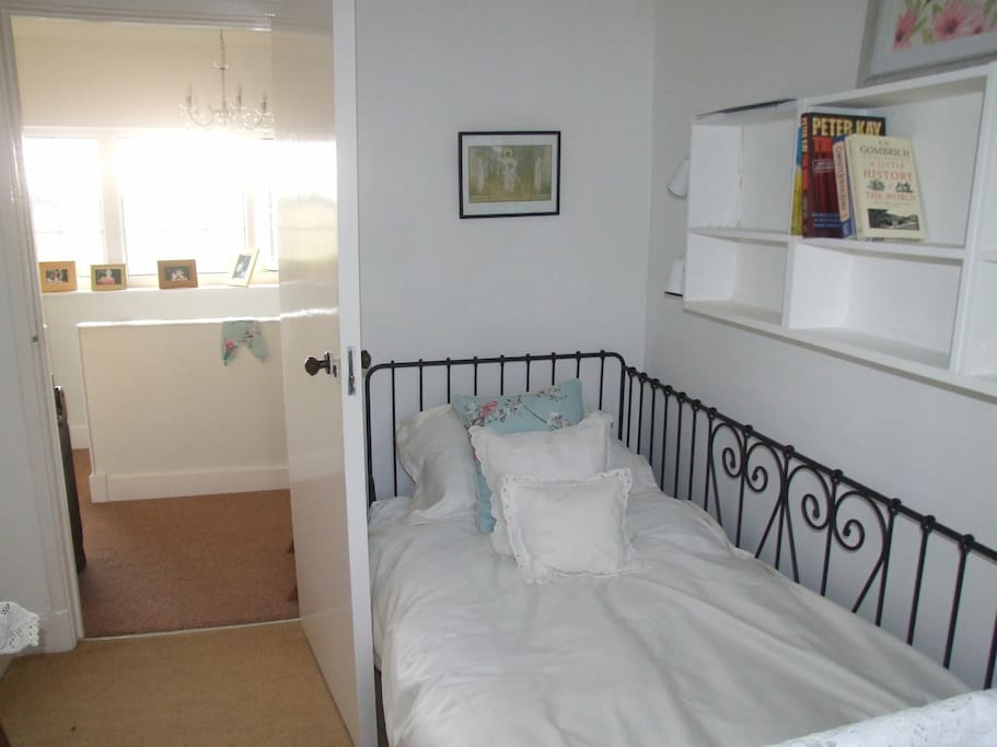 Lovely comfortable bed with memory foam mattress. Our guests say they sleep like a log in it.