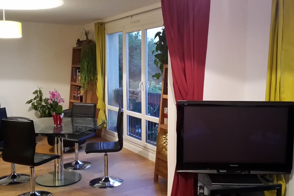 Wide TV screen for cosy evenings