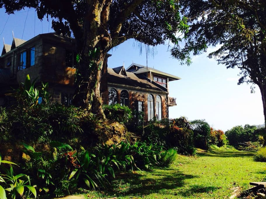 Mahogany Ridge Ginger Lily Room Bed And Breakfasts For