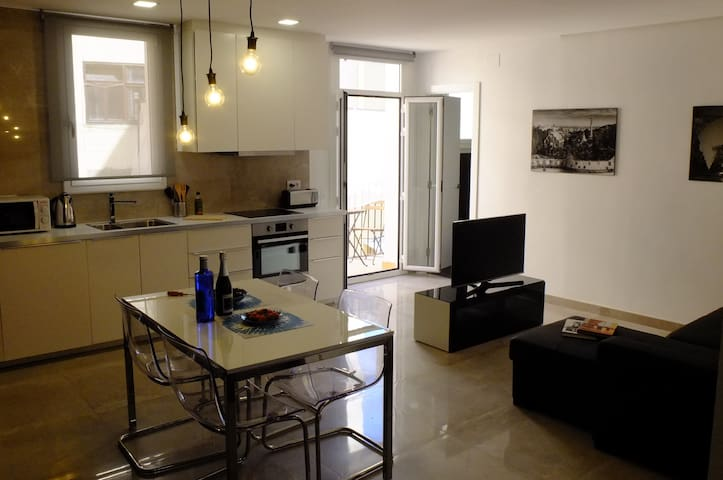 Modern Flat in Poblenou (tourist tax included)