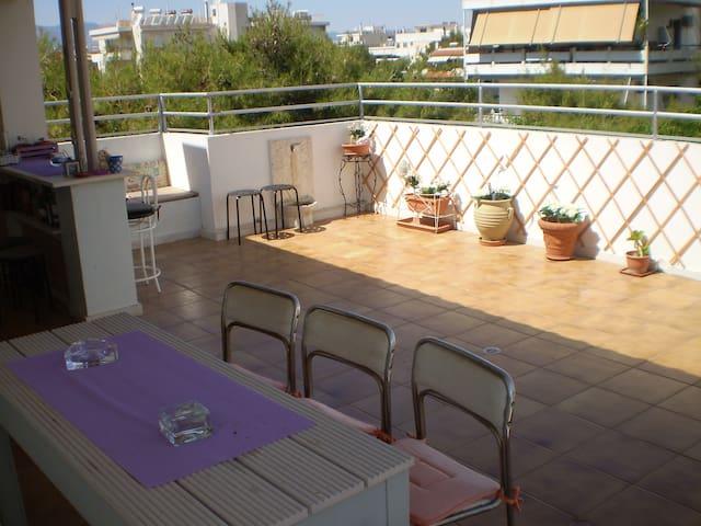 Ρετιρέ οροφοδιαμέρισμα με τεράστια βεράντα, θέα. - Agia Paraskevi - Wohnung
