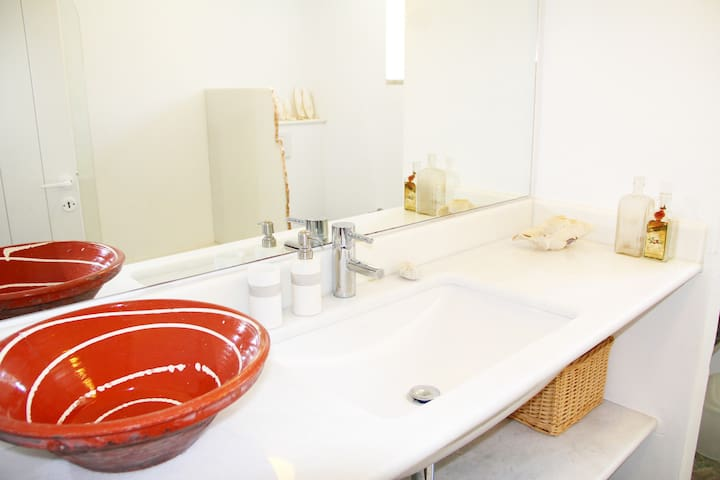 Guest bathroom, marble sink, Greek pottery