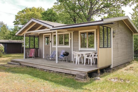 Holiday cottage with 2 bedrooms on 35m² in Tjurkö