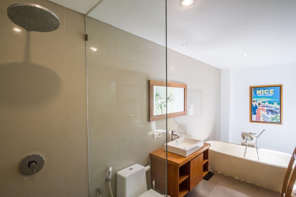 bathroom 1 shower + hot tub