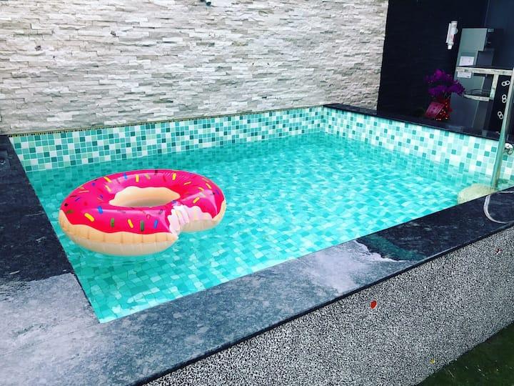 包棟VILLA 獨立空間 專屬戲水池 可燒烤 KTV歡唱 停車場