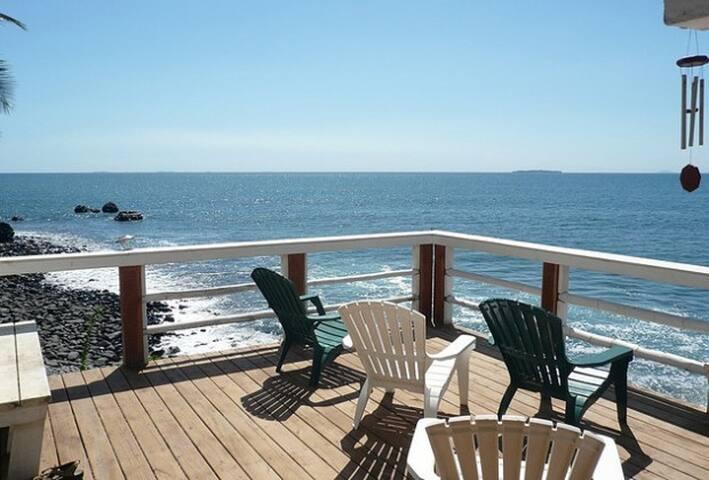 Island Beachfront Lodging  - El Morro Negro