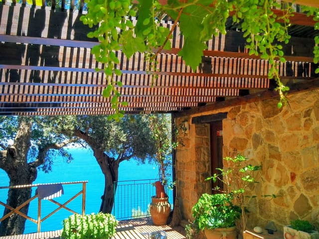 Romantic escape for 2 lovers....... - Castel di Tusa - House