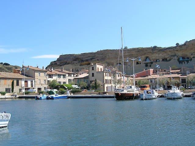 Maison & piscine en Provence - Saint-Chamas - Hus