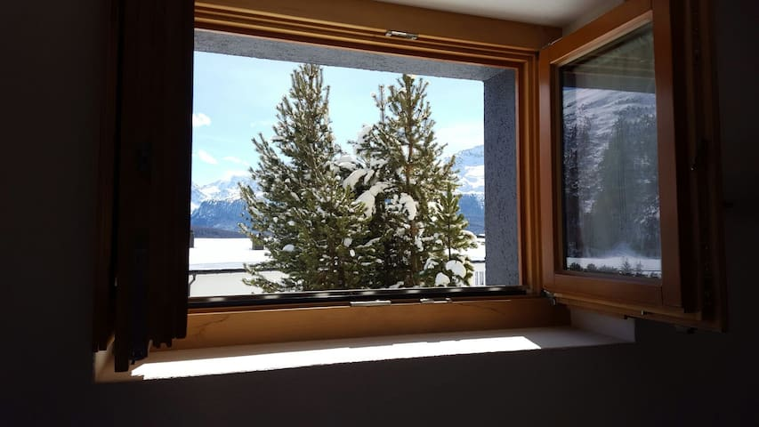 Studio of 25m2 in Engadine style - Samedan - Appartement