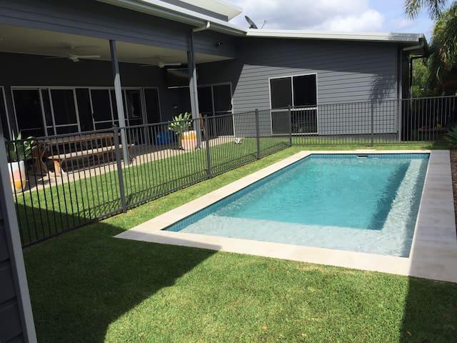 Whitsundays Designer Home - Cannonvale