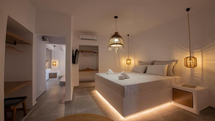 Mykonos Town 2 bedroom Luxury Apartment